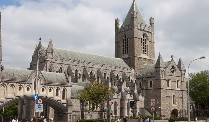 Dublin 1451: Medieval Miracle or just Conspiratorial Canons?