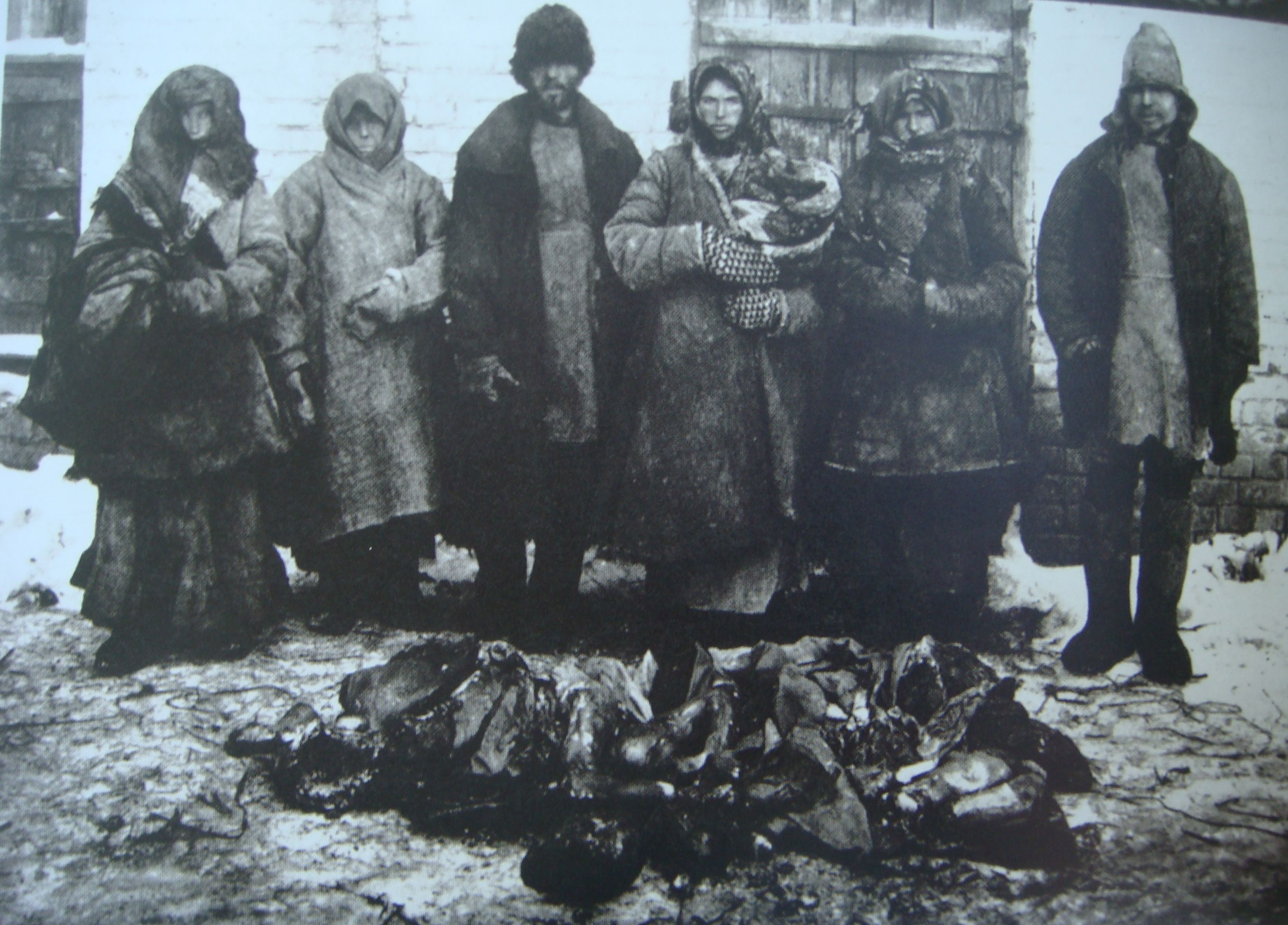 Cannibalism_russian_famine